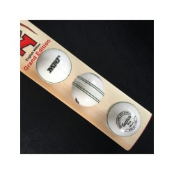 MRF GENIUS PRO 4 PC 156 Gm. WHITE CRICKET BALL